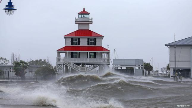 اعصار ايدا يقطع التيار الكهربائي في امريكا.. ومخاوف من دمار هائل