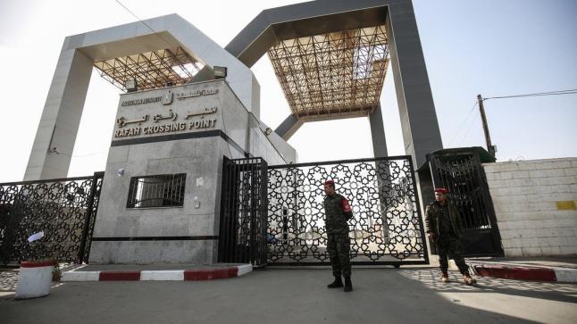 الحكومة المصرية تبلغ إسرائيل والسلطة بإغلاق معبر رفح مع غزة